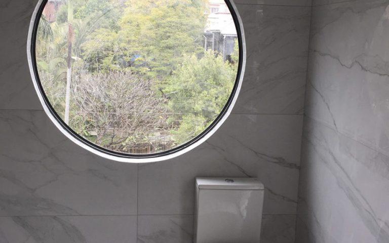 marble-toilet-1024x575